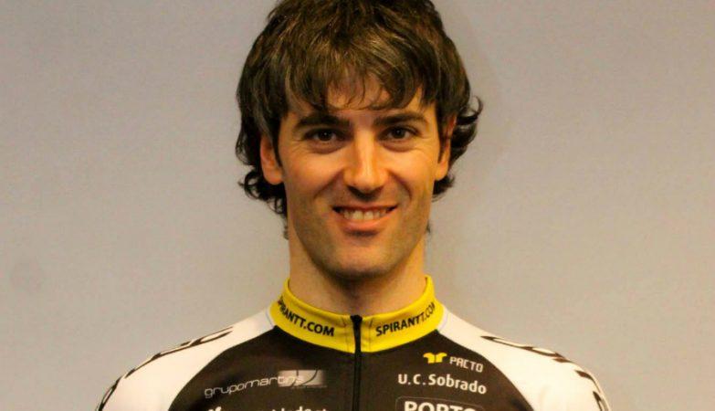 O ciclista espanhol Gustavo Veloso (OFM-Quinta da Lixa), vencedor da 76ª Volta a Portugal em bicicleta