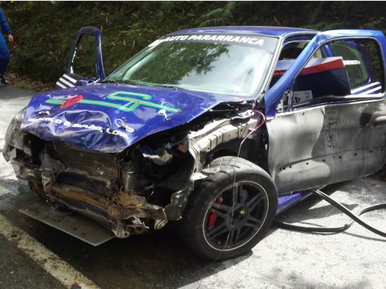 Carro que se despistou no Rali Sprint de Guimarães provocando a morte de 3 pessoas