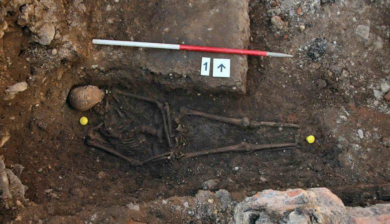 Ricardo III na sua sepultura