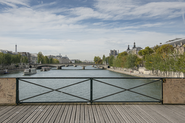 Painéis de vidro na Pont des Arts, em Paris