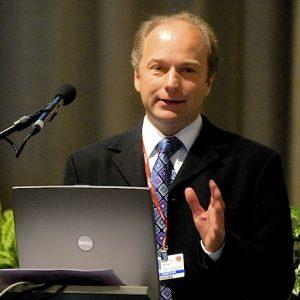 Peter Stott, investigador especializado no estudo de alterações climáticas atribuíveis a causas antopogénicas e naturais