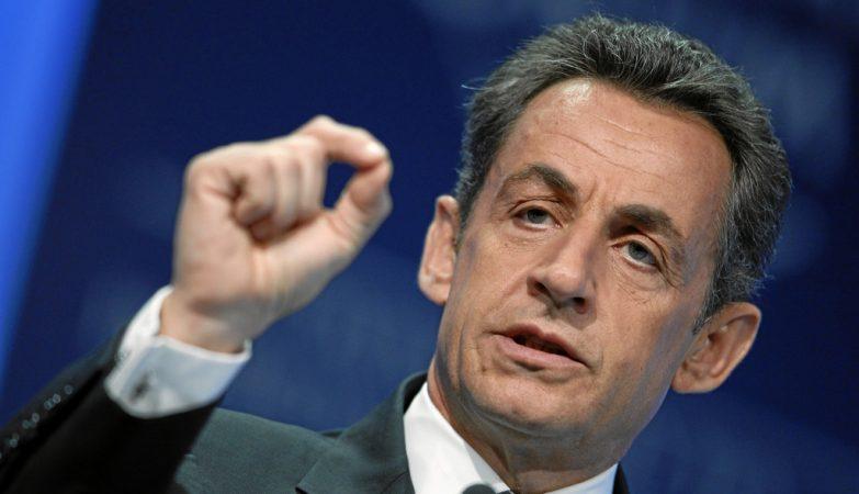 Sarkozy anuncia candidatura para eleição presidencial de 2017 da França
