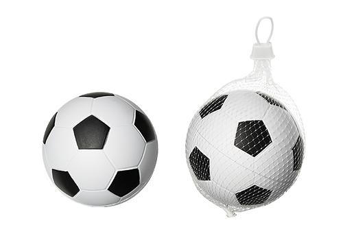 As bolas de futebol que a H&M retirou do mercado