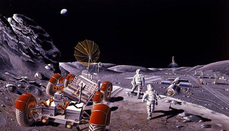 Conceito artístico de uma base lunar, com astronautas e um rover lunar semelhante aos 3 usados nos programas Apollo da NASA