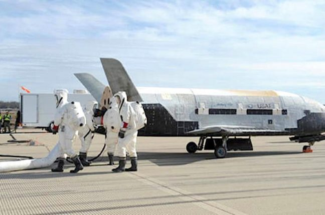 O X-37B Orbital Test Vehicle na Base Aérea de Vandenberg
