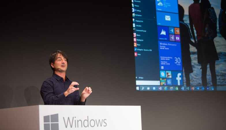 Joe Belfiore mostra uma antevisão do menu Iniciar do Windows 10.