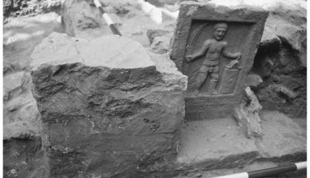 Campa de gladiador escavada no cemitério de Éfeso
