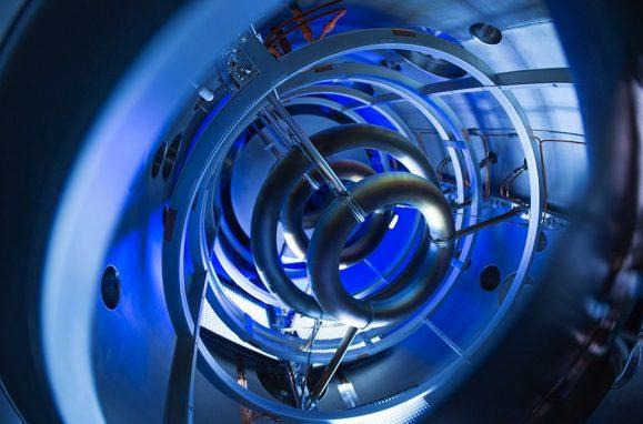 Bobinas magnéticas super-condutoras do conceito experimental de fusão nuclear da Lockheed Martin