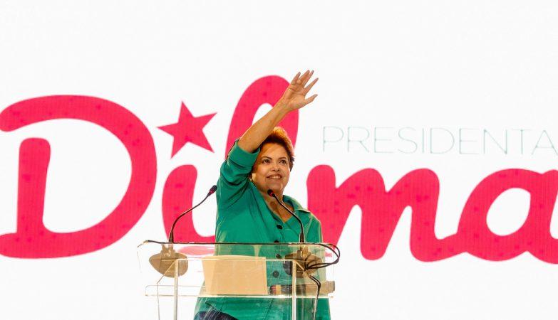 """Sondagens à """"boca das urnas"""" apontam Dilma Rousseff e Aécio Neves na segunda volta"""
