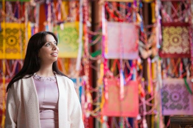 A arquiteta Cristina Rodrigues com uma das suas peças