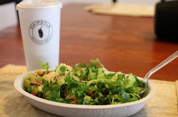 """A mexicana Chipotle tem apostado em menus que, segundo seu site, são criados com ingredientes """"cultivados com respeito aos animais, ao meio ambiente e aos produtores"""""""