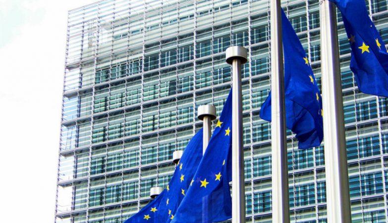 Presidente do Conselho Europeu de Investigação demite-se e arrasa a resposta da UE à pandemia