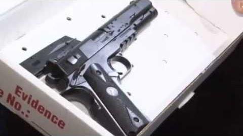 Réplica de arma que a criança empunhava