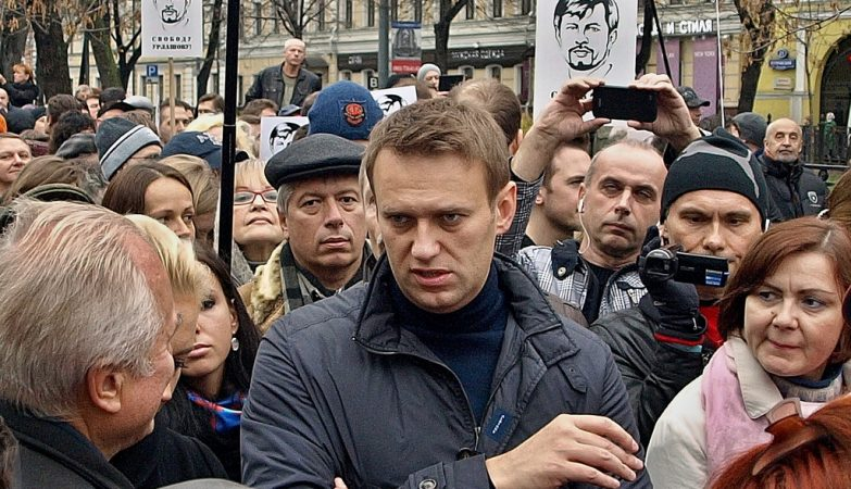 O líder da oposição russa, Alexei Navalny, numa manifestação de apoio a prisioneiros políticos