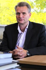 O professor Mark Williams, director do Departamento de Ciências da Vida da Brunel University London