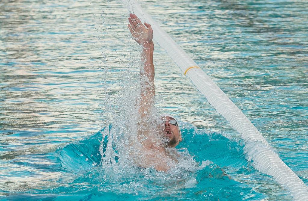 Michael phelps regressa s piscinas em agosto de 2015 zap for Piscina 7 de agosto