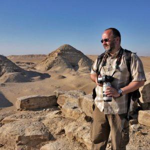 O arqueólogo checo Miroslav Barta