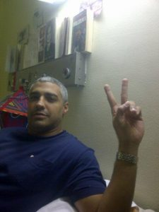 O jornalista egípcio Mohamed Fadel Fahmy cumpre uma pena de prisão de 7 anos