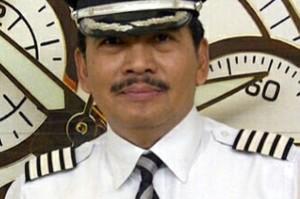 O comandante Irianto, experiente ex-piloto da Força Aérea Indonésia, comandante do voo QZ8501 da AirAsia