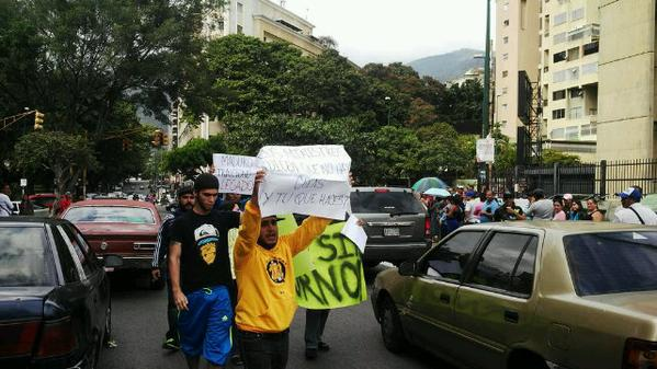 Luís Alfredo dos Santos foi detido por protestos contra a escassez de produtos essenciais em Caracas, Venezuela