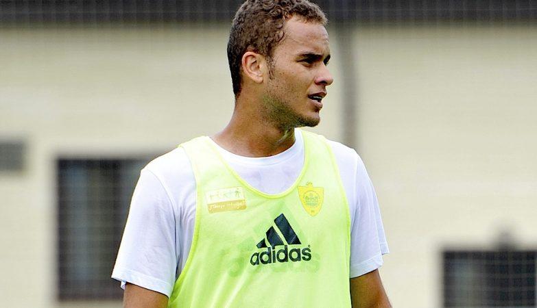Ewerton, emprestado ao Sporting pelo Anzhi Makhachkala, com opção de compra