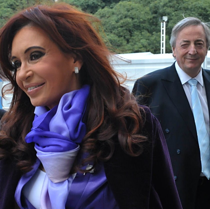 A presidente Cristina Kirchner com Néstor Kirchner, em 2010