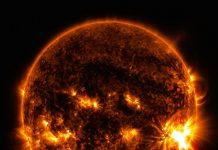 Imagem de uma explosão solar classe X2.0 captada a 27 de outubro de 2014