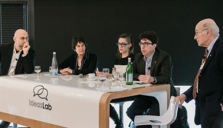 "Yochai Benkler, Margo Seltzer, Sophia Roosth, Jonathan Zittrain, Joseph S. Nye Jr, professores da Universidade de Harvard no painel ""Nova Ciber-Ordem Mundial"", Davos 2015"