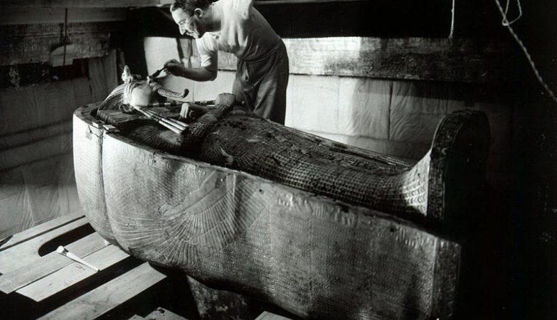 Howard Carter no túmulo de Tutankhamon