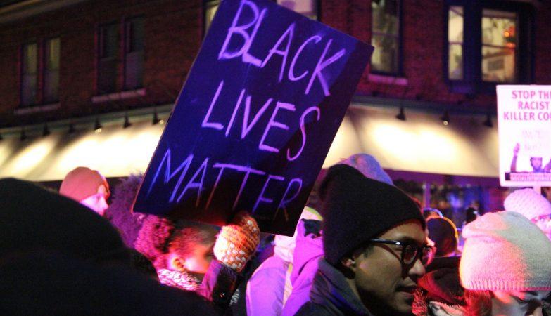 Protestos em Madison, Wisconsin (EUA), depois da morte de mais um jovem negro alvejado pela polícia nos EUA
