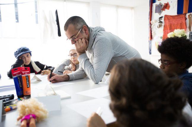 Workshop de Filipe Faísca com meninas em tratamento no IPO