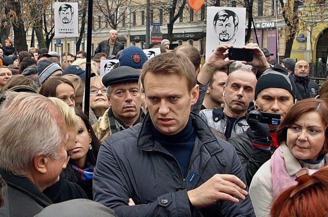 Manifestação de apoio a Alexei Navalny (ao centro)