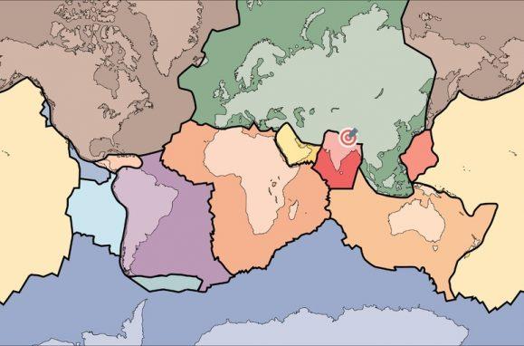 As placas tectónicas da Terra. A placa da Índia (a vermelho) desliza lentamente para debaixo da placa da Eurásia (verde). Entre a Índia e a China, o Nepal (assinalado) está na linha que separa as placas