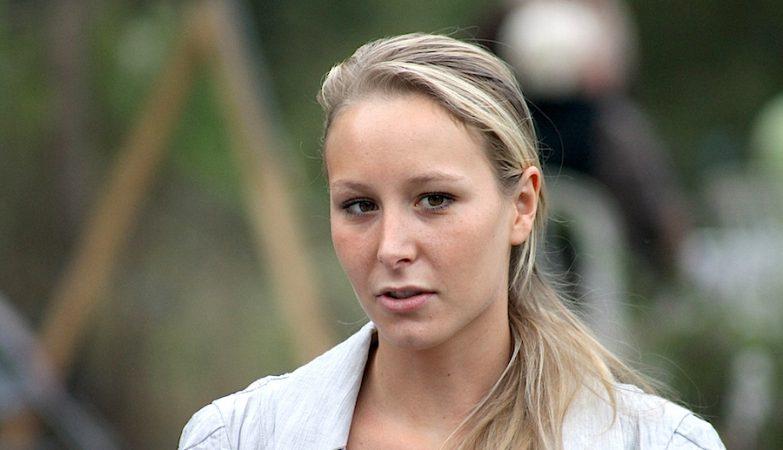 Marion Maréchal Le Pen, neta de Jean-Marie Le Pen, o fundador da Frente Nacional francesa, e sobrinha da líder do partido, Marine Le Pen, é a deputada mais jovem da história de França.