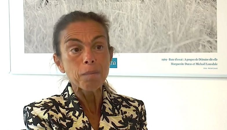 Agnès Saal, diretora da emissora pública de rádio e TV de França
