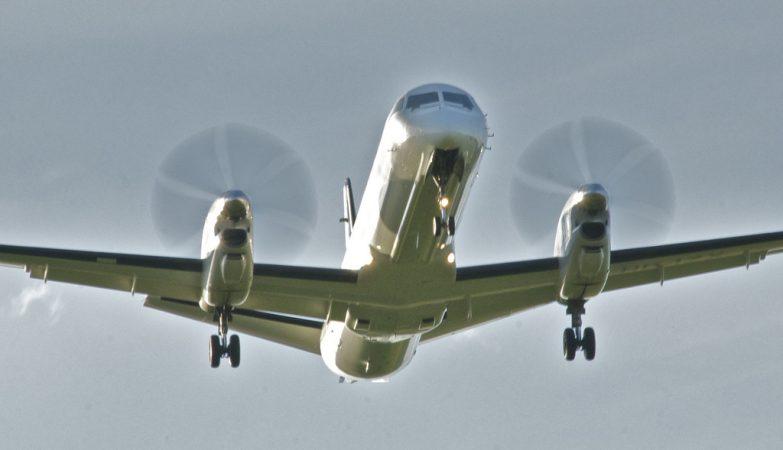 Avião Saab 2000