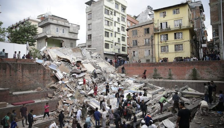 Katmandu após o sismo de magnitude 7.9 que atingiu o Nepal