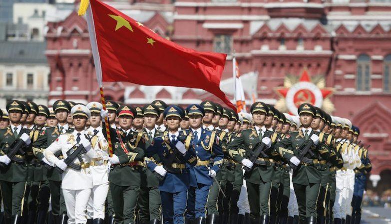 Representantes da China na  parada de comemoração do 70.º aniversário da vitória sobre a Alemanha na II Guerra Mundial, na Praça Vermelha