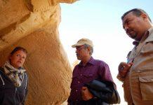 Os arqueólogos Maria Nilsson e Nasr Salama