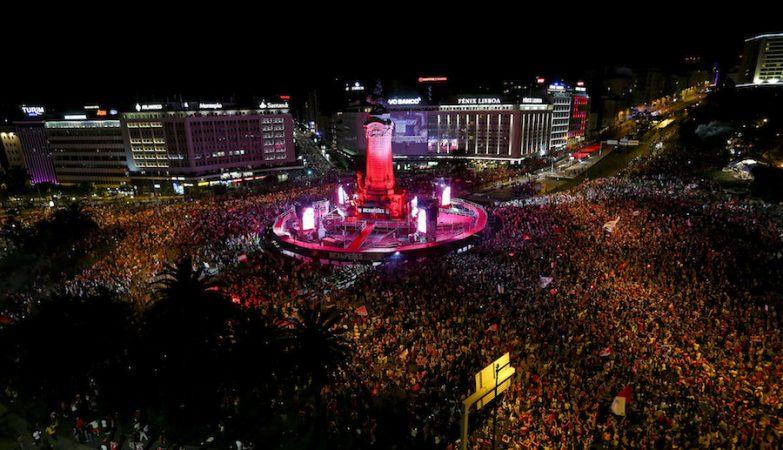 Bicampeonato do Benfica festejado no Marquês em Lisboa