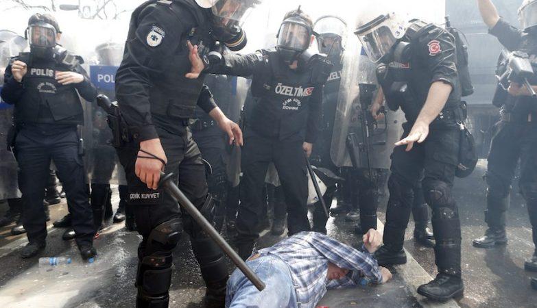 Polícia nas ruas de Istambul impedem comemorações do 1º de Maio