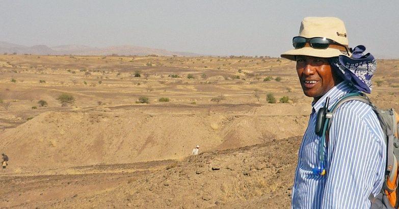 O arqueólogo Yohannes Haile-Selassie, do Museu de História Natural de Cleveland