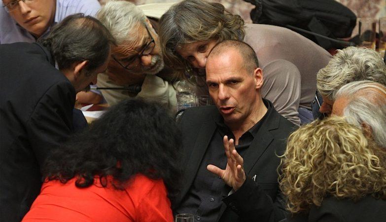 O ex-ministro das Finanças da Grécia, Yanis Varoufakis, durante um encontro do Syriza no parlamento grego
