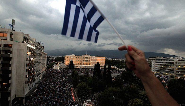 """Manifestação em Atenas de apoiantes do """"Sim"""" no referendo acerca das propostas do Eurogrupo"""