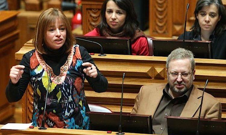 A deputada do Bloco de Esquerda, Cecília Honório (esq.), com Luís Fazenda, Ana Drago e Catarina Marins