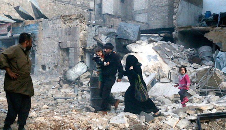 Bombardeamento em Aleppo, na Síria, guerra contra o terrorismo do Estado Islâmico
