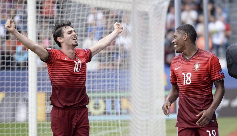 Bernardo Silva e Ivan Cavaleiro celebram um dos cinco golos com que a selecção de Portugal venceu a Alemanha