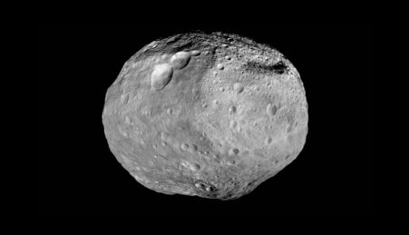 O protoplaneta Vesta em imagem captada pela sonda espacial Dawn.