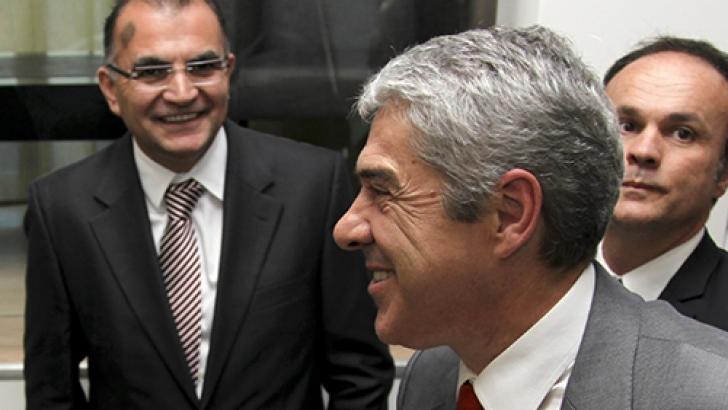 Joaquim Barroca (à esquerda) com José Sócrates em 2010