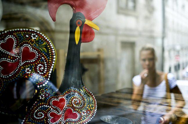 Os galos de Barcelos são das lembranças mais procuradas pelos turistas do Porto